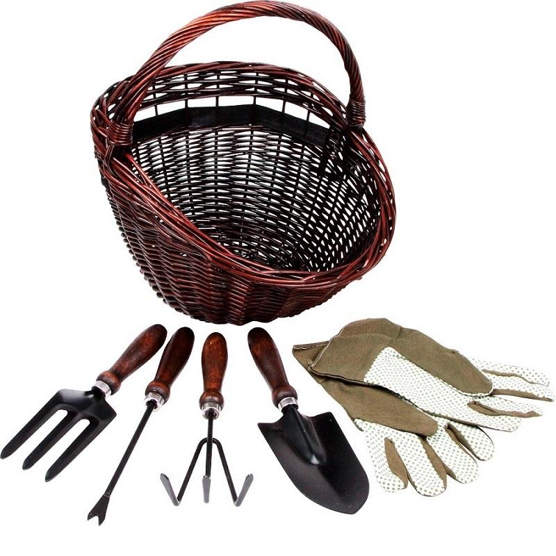 Aiakorv ja tööriistad